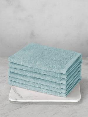 stapel lichtblauwe washanden de witte lietaer